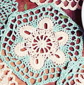 Hexagonal_crochet_doily_small_best_fit