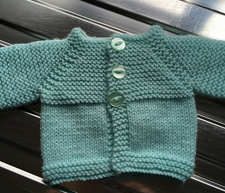 Ravelry  Little Babbity - Preemie Baby Cardigan Jacket pattern by ... 298edd1f49ff