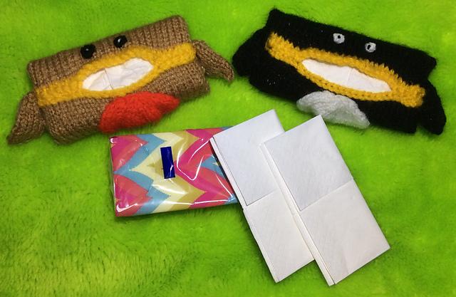 Christmas Penguin and Robin Tissue Holders fits Kleenex KNITTING PATTERN