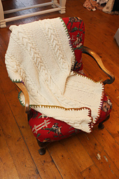 Aran_horse_shoe_throw_small_best_fit