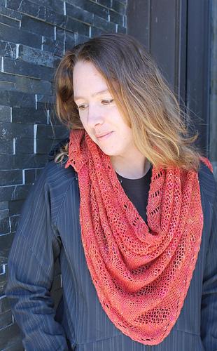 Img_5001_shawl_long_small_medium