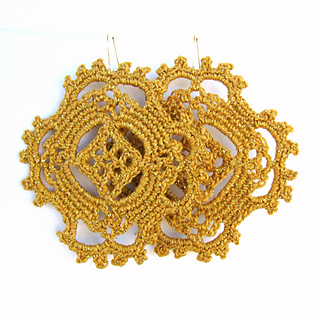 Happy_earrings_gold_pair_small2