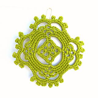 Happy_earrings_green_single_small2