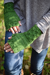 Smockedmitts_0720_small_best_fit