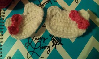 Ravelry hello kitty applique and mini bow pattern by naomi garcia