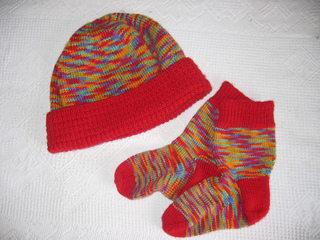 Beanie_and_socks_small2