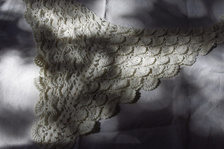 Snow_queen_shawl_small2