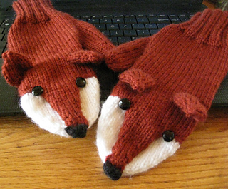 ccb9d2942debde Ravelry: Fox Mittens pattern by Laurie Walton