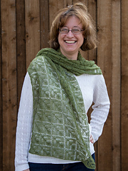 Lauriebeardsleyshawl-0364_doc_small