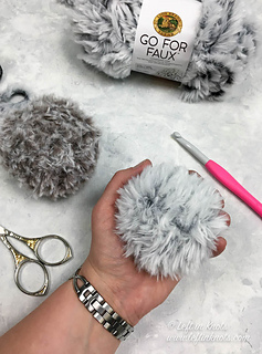 Go For Faux Fur Pom Pom pattern by Megan Meyer