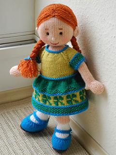 Ravelry: Lola pattern by MagdaLaine