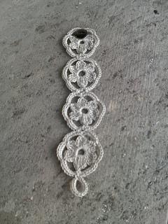 Flower_bracelet_a_small2