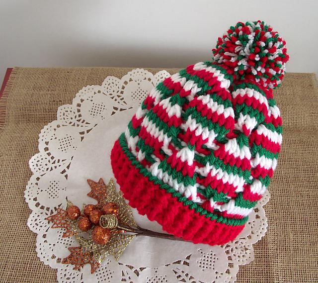 Ravelry  Christmas Baby Hat pattern by Lilia Vanini 3ea8db2eea19
