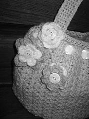 Lily_razz_1st_bag_black_white_small