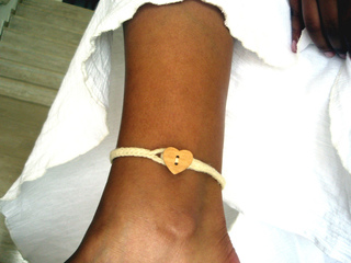 Holiday_ankle_bracelet_small2