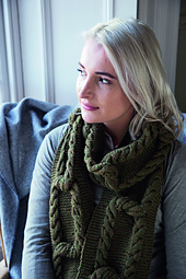 Thora_scarf_2_small_best_fit
