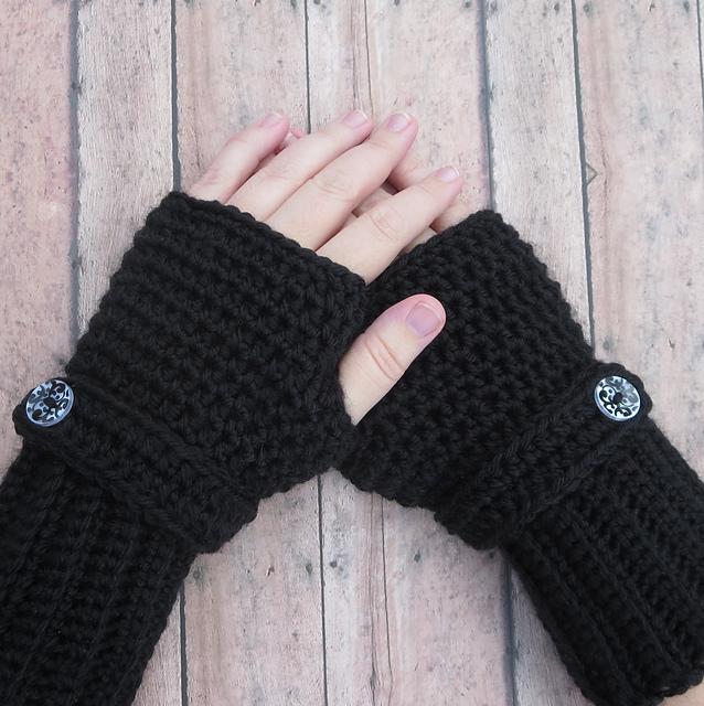 Ravelry Simple Fingerless Gloves Pattern By Ana Benson