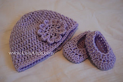 Hat_booties-purple_small_best_fit