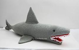 Crochet_shark_la_small_best_fit
