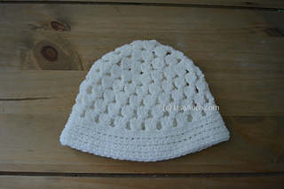Ravelry Cluster Stitch Baby Beanie With Flower Pattern By Lisaauch