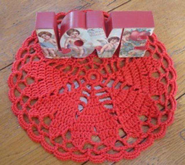 ac7817daab8b1b Ravelry  Friendship Hearts Doily pattern by Lisa Gentry