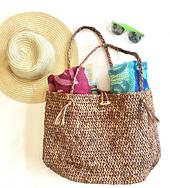 Beach_bound_straw_bag_crochet_pattern_by_little_monkeys_design_-_crochet_raffia_bag_small_best_fit