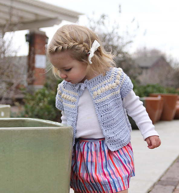 Ravelry Eloise Cardigan For Girls Pattern By Angela Plunkett
