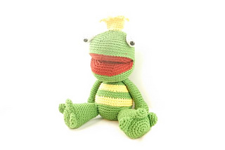 Lwc_-_amigurumi_-_lennard_the_frog_prince_-_2_small2