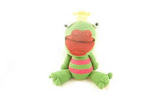 Lwc_-_amigurumi_-_lennard_the_frog_prince_-_3_small2
