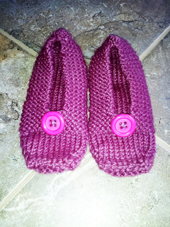 Slippers_with_buttons_small2