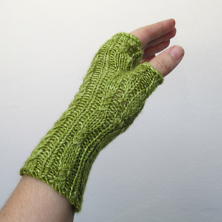 100614_green_gloves_3_small2
