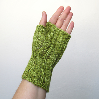 100614_green_gloves_4_small2