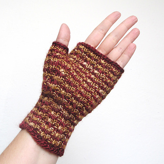 101414_burgundy-gold_gloves_4_small2
