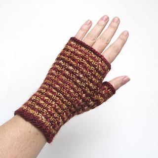 101414_burgundy-gold_gloves_2_small2