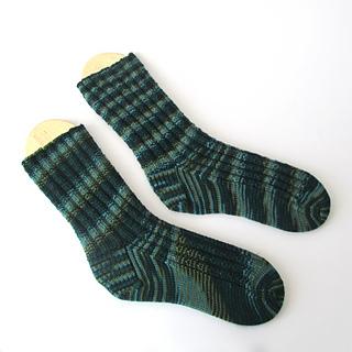 102914_kelp_socks_1_small2