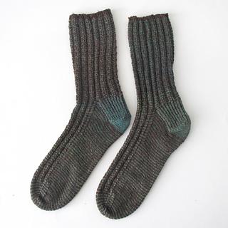 121014_green_brown_socks-1_small2