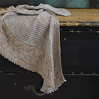 Wreath_shawl_for_ravelry_pattern_ad_small2