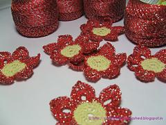 L_b_crochet_shimmer_n_shine_flower_small
