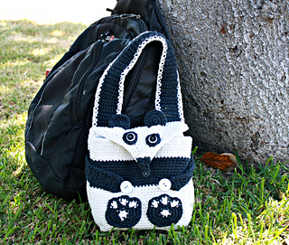 Panda_bag_with_backpack_small2