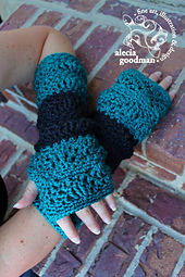 Sonoma_armwarmer-alecia3_small_best_fit