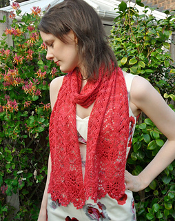 Floral_lace_scarf_009_cropped_small2