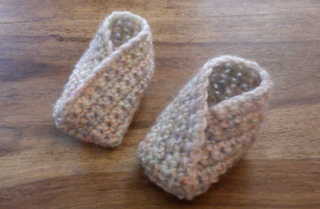 Ravelry Simple Crossover Bootie Pattern By Louise Mac