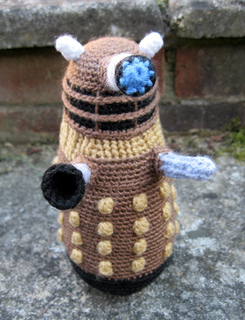 Dalek_bronze_01_small2