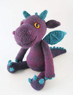 Cuddly_dragon_purple_05_small2