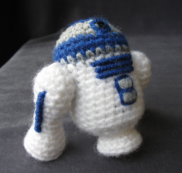 Ravelry R2 D2 Pattern By Lucy Collin