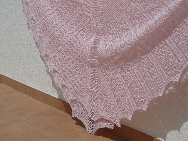 Ravelry: Rose Leaf in Four Triangles pattern by Patons Australia