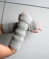 Long_aran_fingerless_gloves_-_1_small_best_fit