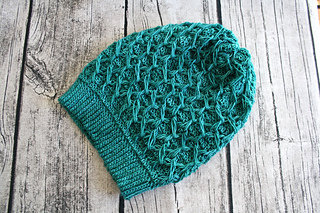 Honeycomb_slouchy_hat_253_-_1_small2