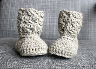 Cable_baby_booties_-_1__2__small2