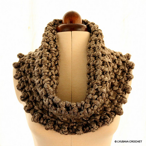 Ravelry Chunky Cowl Metallic Gray Pattern By Lyubava Crochet